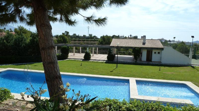 Bungalow en venta en Alfas del Pi con piscina comunitaria