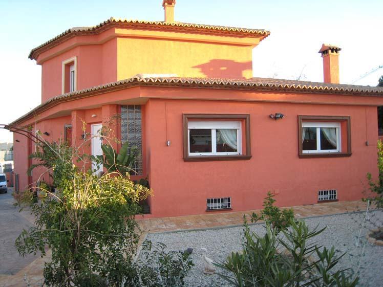 Chalet   Villa con gran piscina en La Nucia