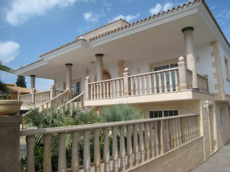 Chalet   Villa de lujo en Alfas del Pi