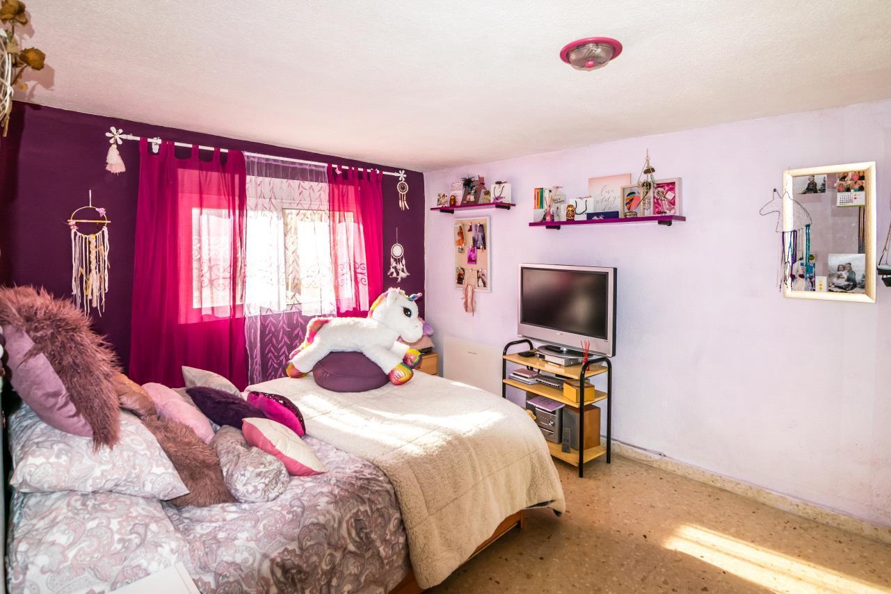 Chalet | Villa en venta en Alfas del Pi distribuida en 1 planta