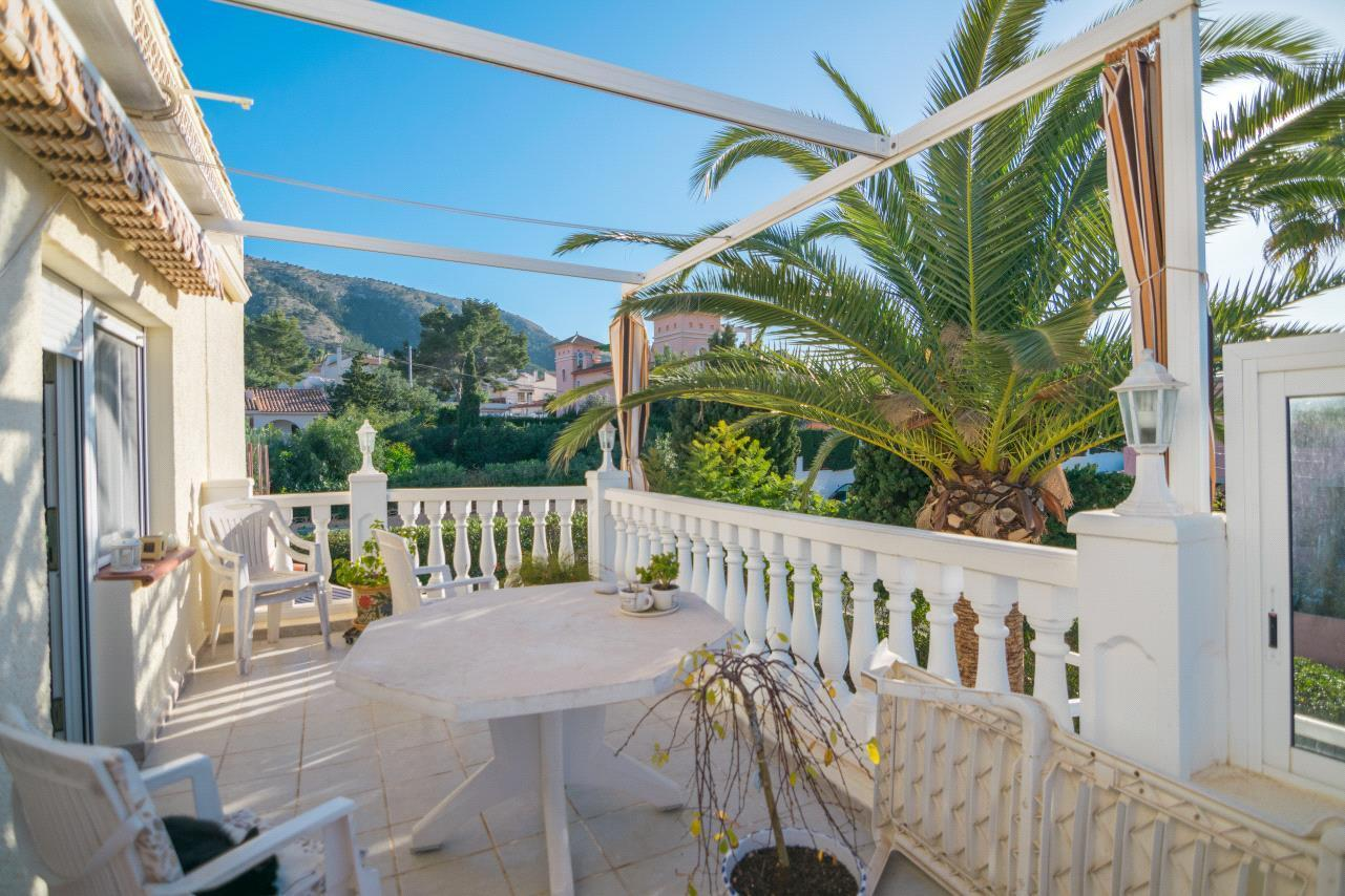 Chalet | Villa en venta en Albir, con 3 apartamentos independientes