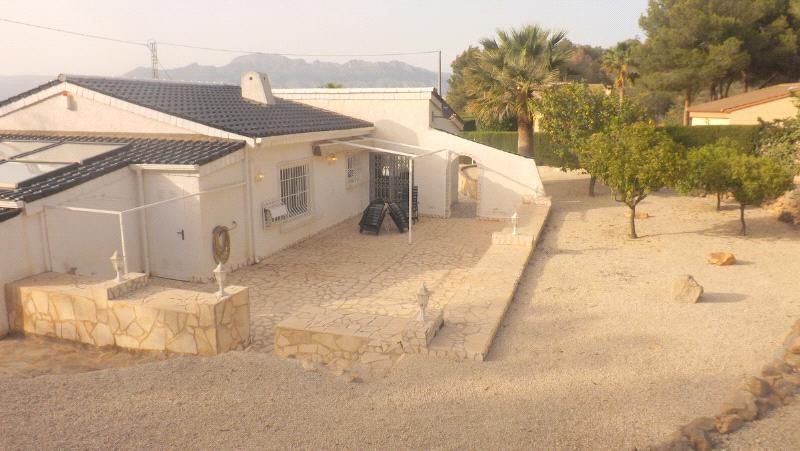 Chalet   Villa en venta en Albir, con gran jardín