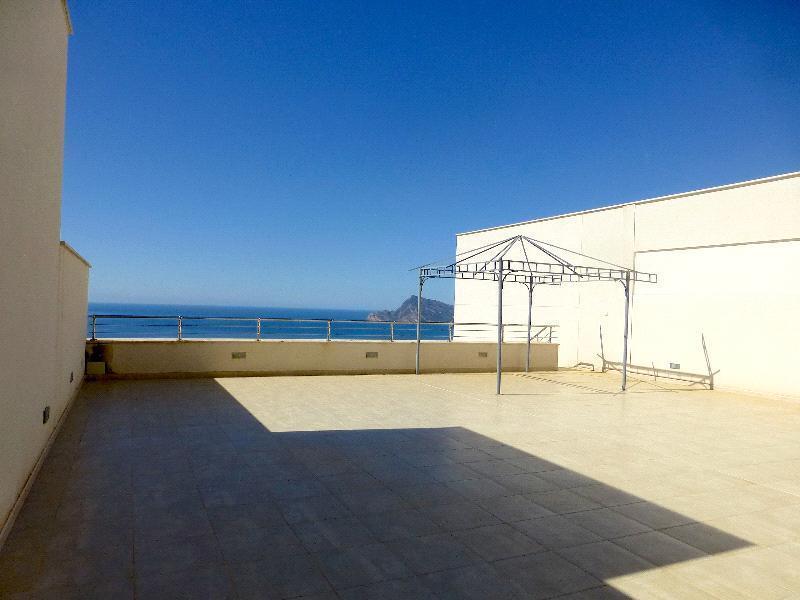 Atico en venta en Altea con vistas al mar