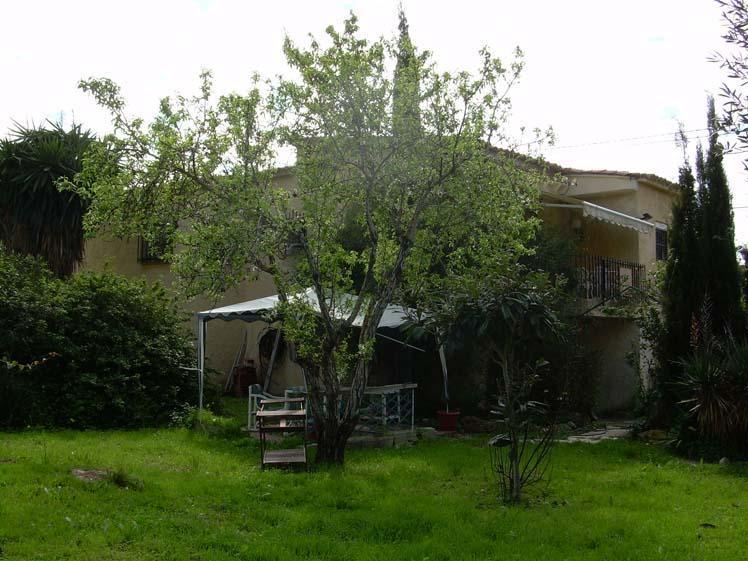 Chalet   Villa en venta en Albir distribuido todo en una planta