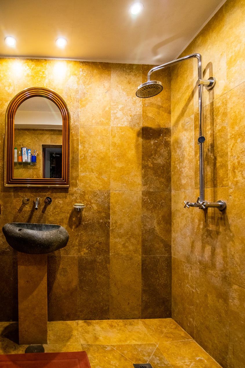 Chalet   Villa en venta en Altea la Vella con piscina privada y estilo mediterraneo