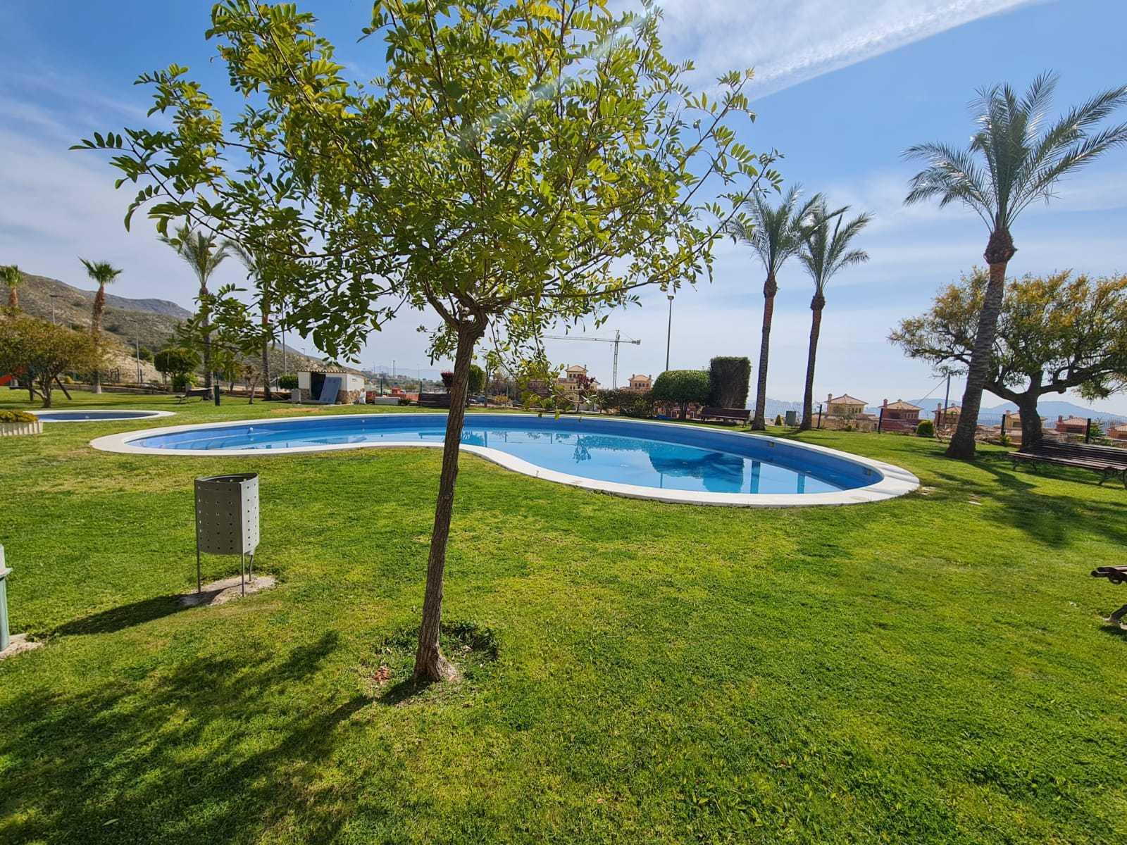 Bungalow en venta en Finestrat en urbanizacion con piscina