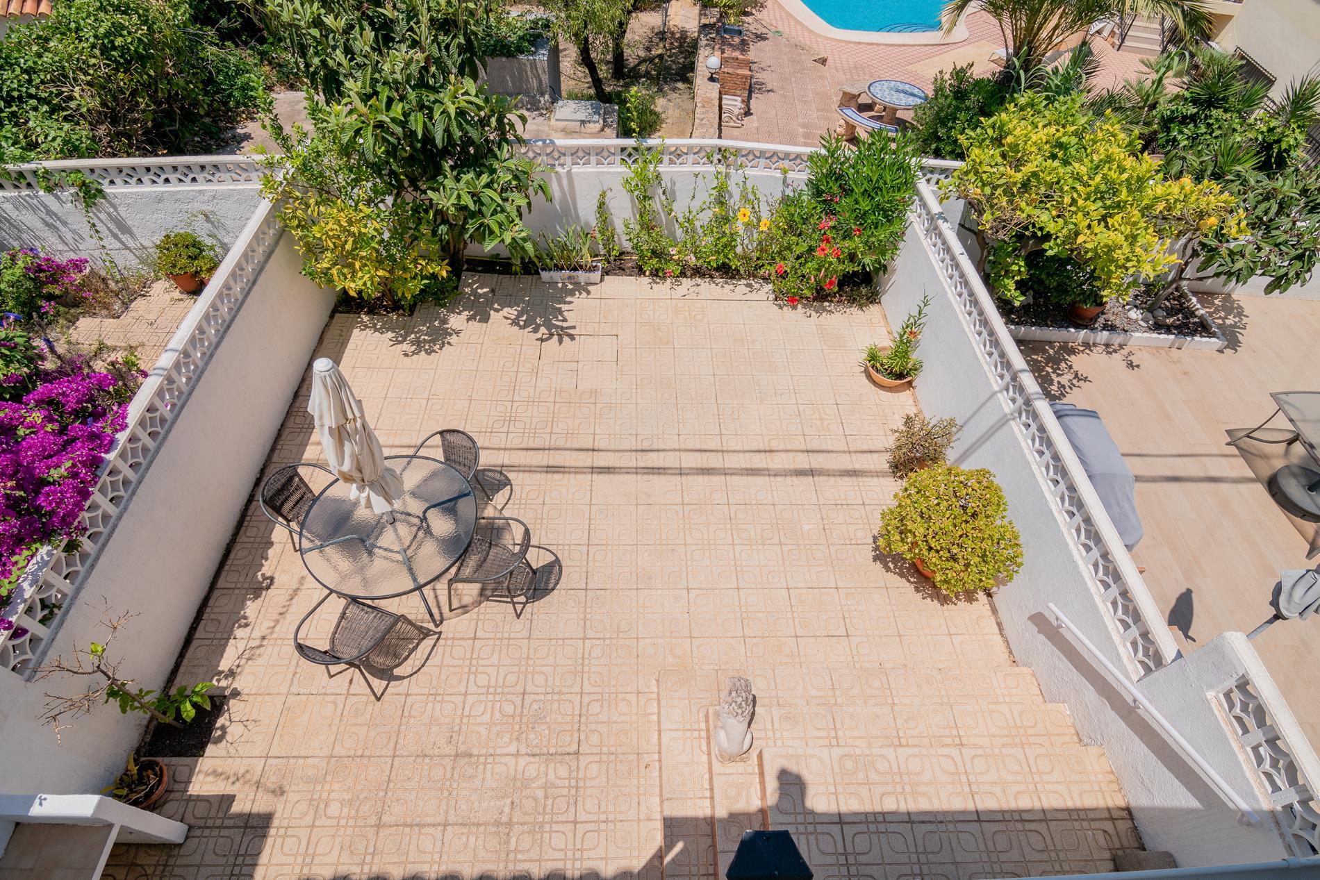 Bungalow en venta en Albir, en urbanizacion con piscina