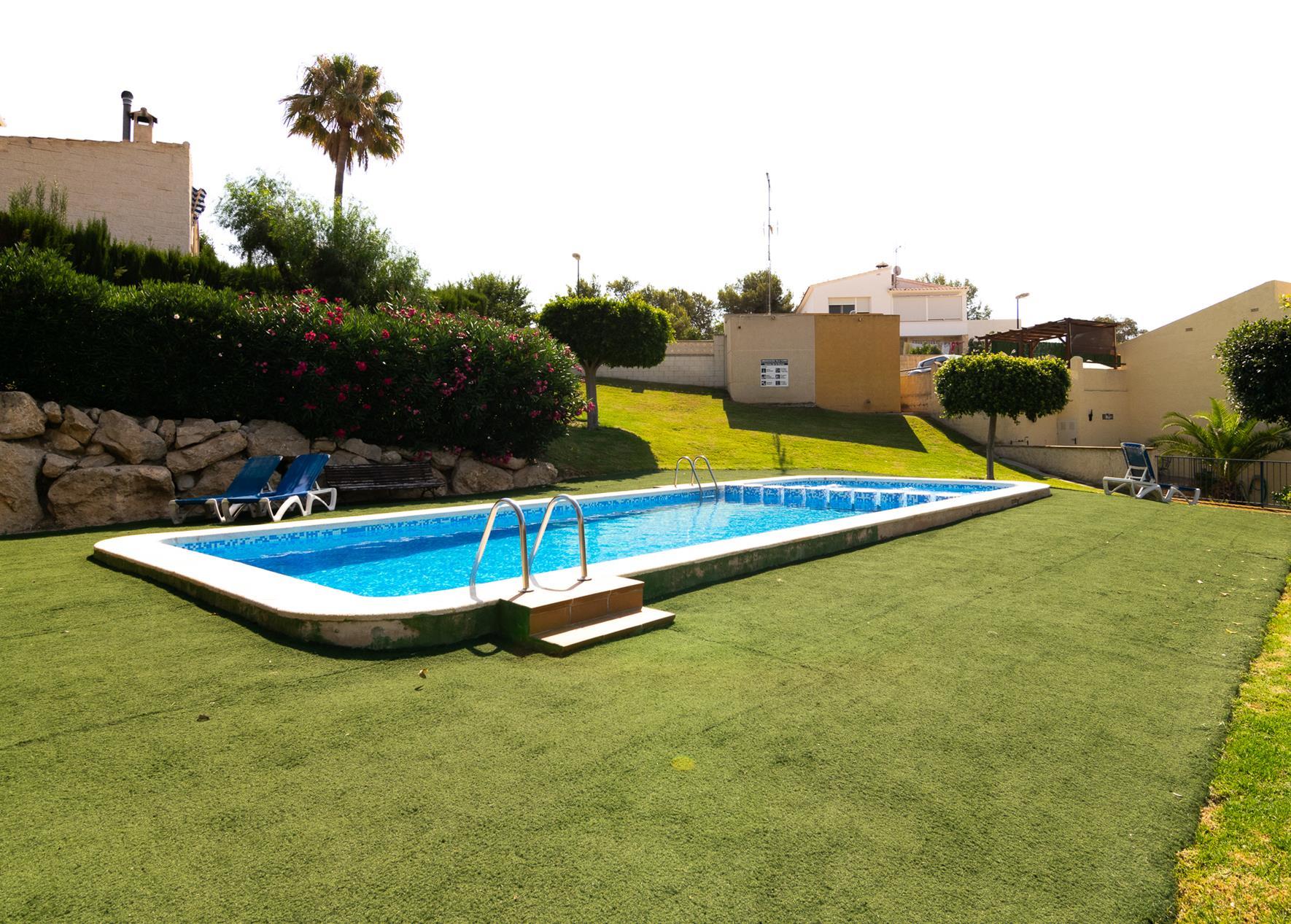 Bungalow con piscina comunitaria en La Nucia