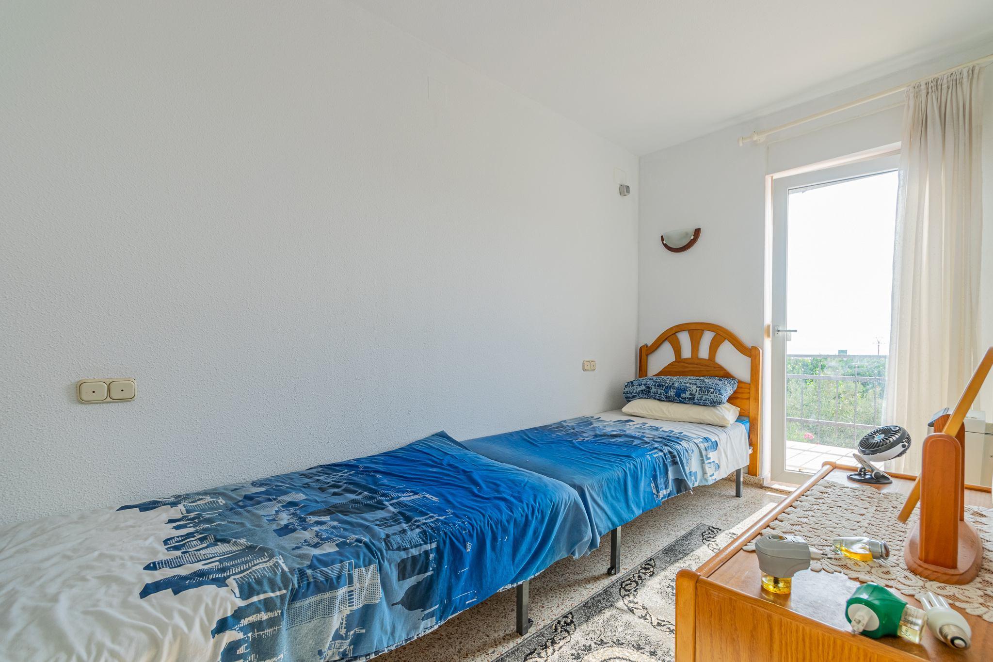 Espectacular adosado de esquina con vistas al mar en Alfaz del Pi