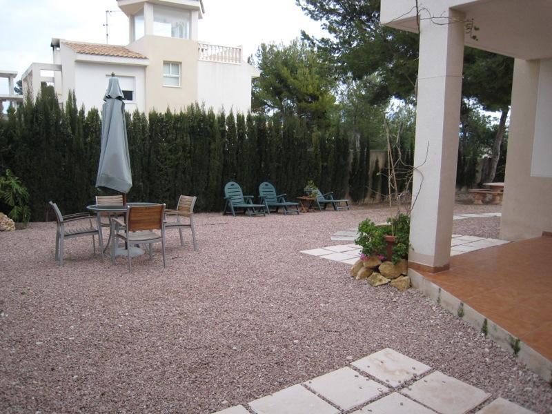Chalet   Villa en venta en La Nucía, fantásticas vistas al mar