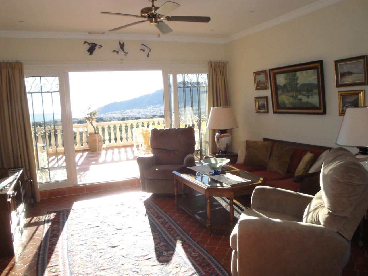Chalet-hotel con vistas al mar en Alfaz del Pi