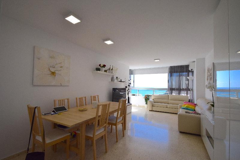 Apartamento en venta en Benidorm, con fantásticas vistas al mar