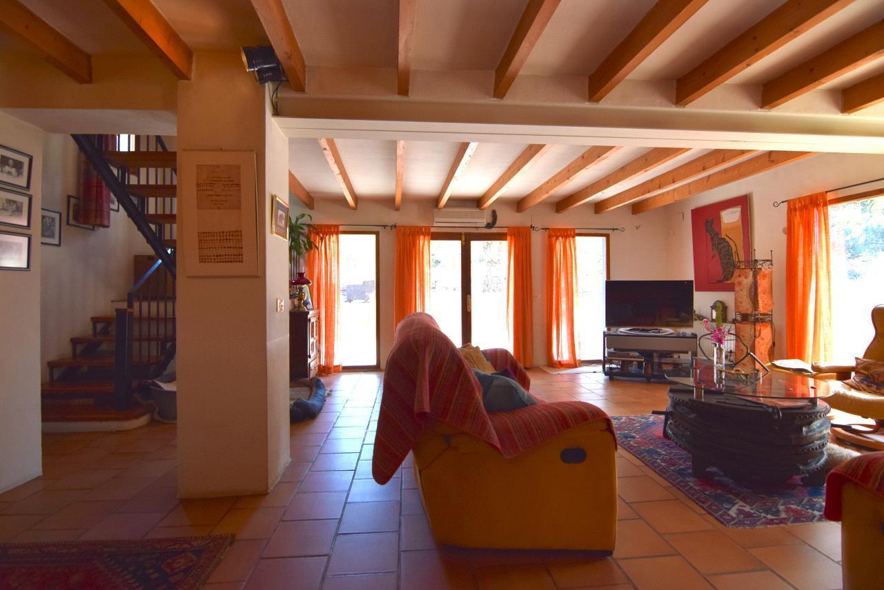 Chalet rustico con gran parcelan en La Nucia