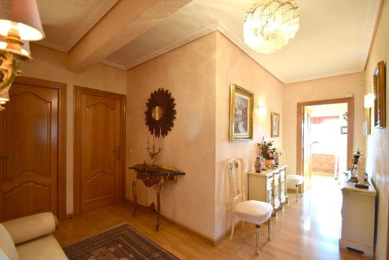 Chalet   Villa en venta en La Nucia