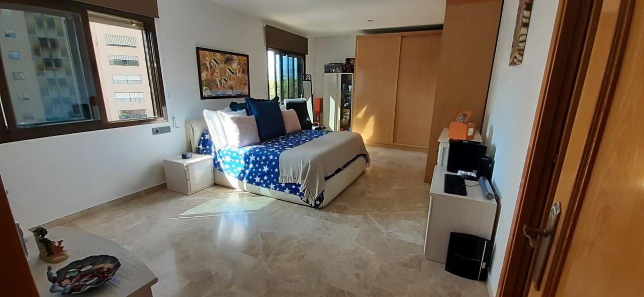 Apartamento en venta en Benidorm, con vistas al mar