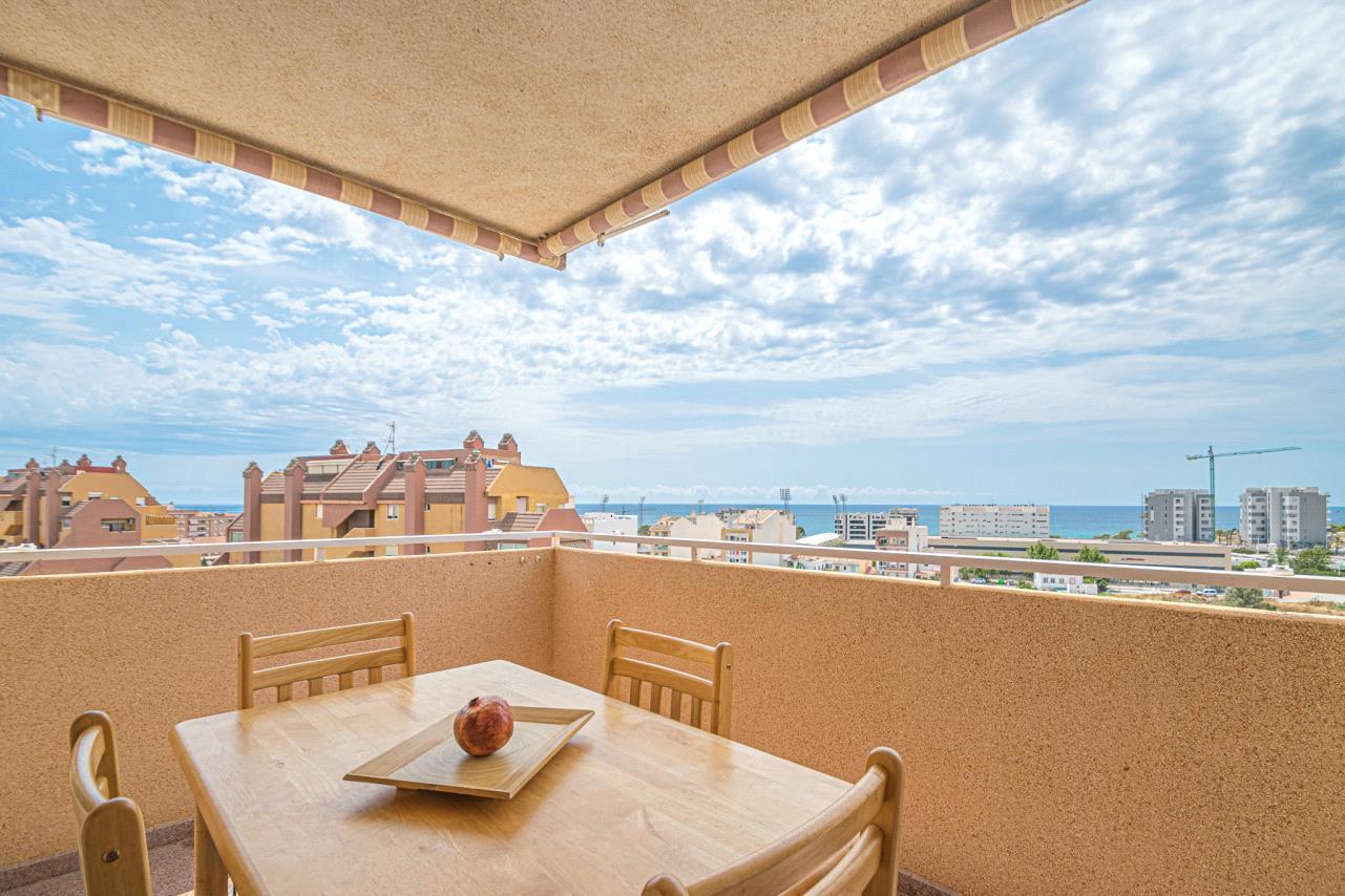 Atico en venta en Villajoyosa con vistas al mar