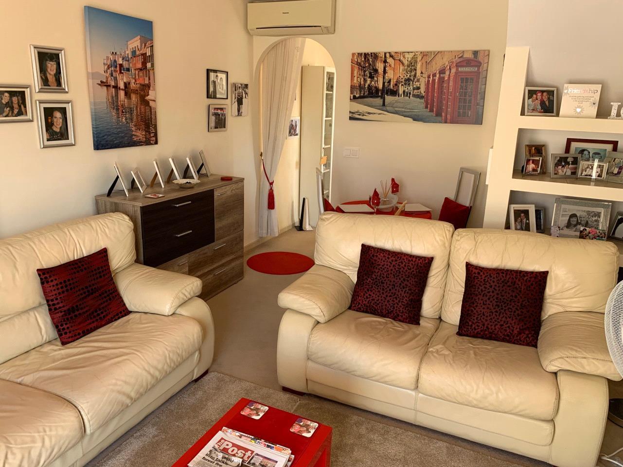 Chalet compuesto por varios apartamentos independientes en La Nucia