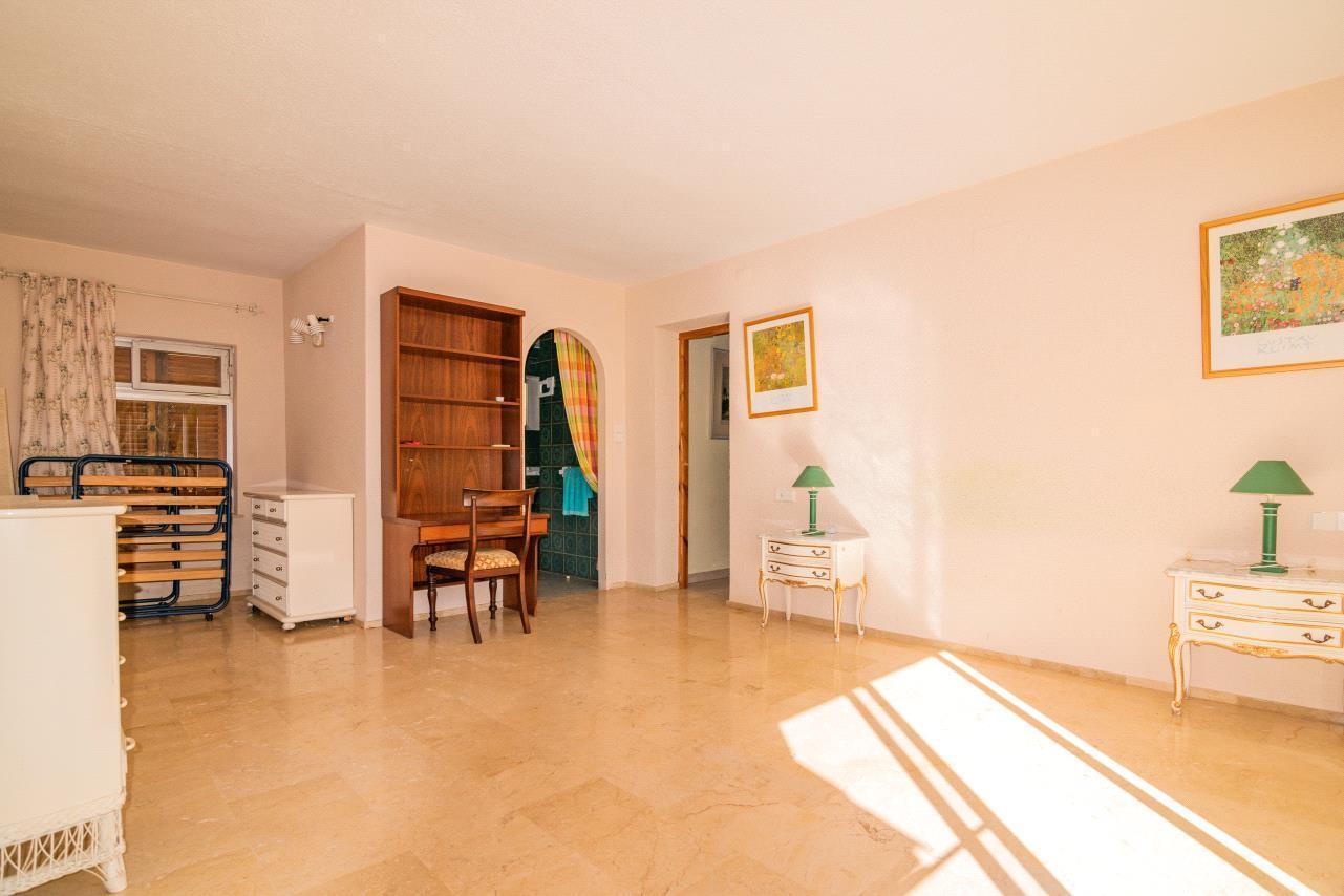 Chalet   Villa en venta en Alfas del Pi con gran parcela