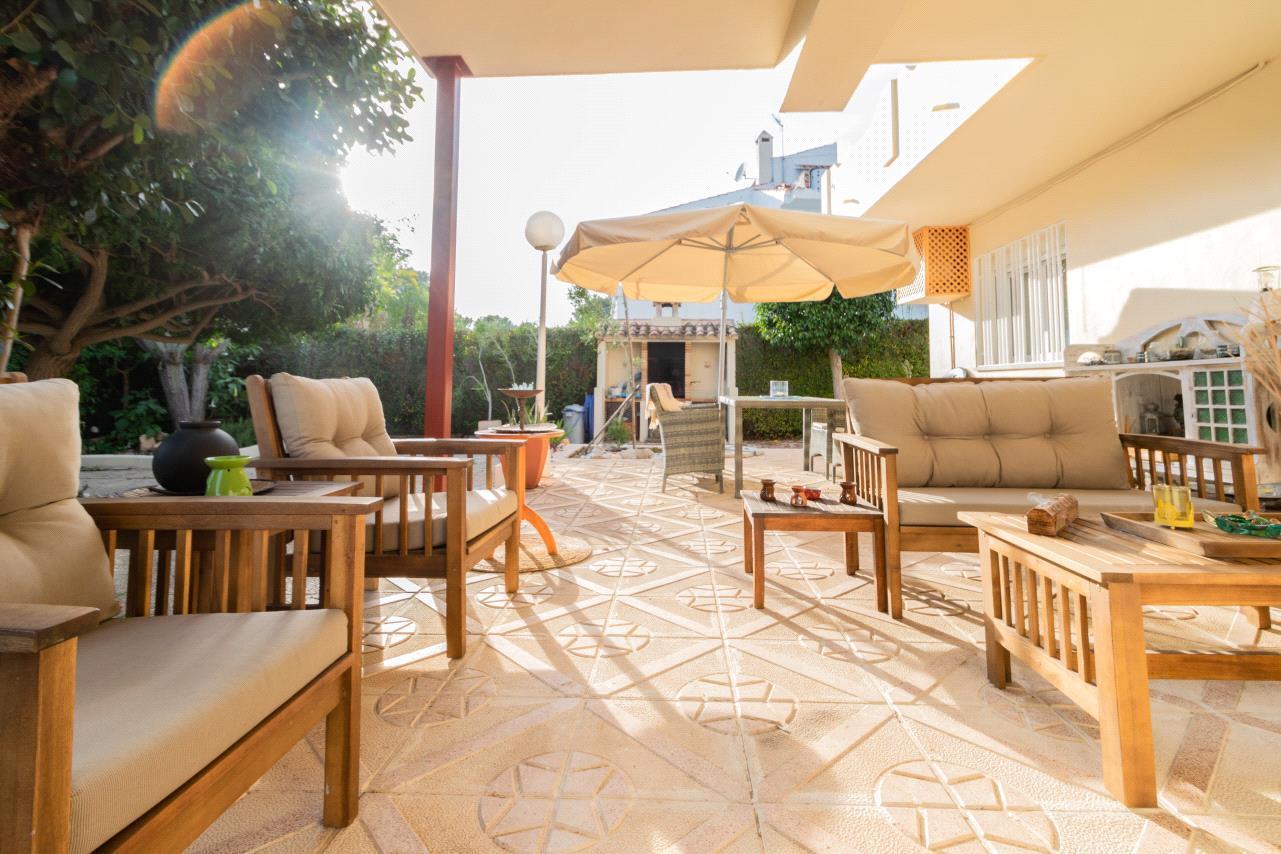 Chalet | Villa for sale in La Nucía, residential area