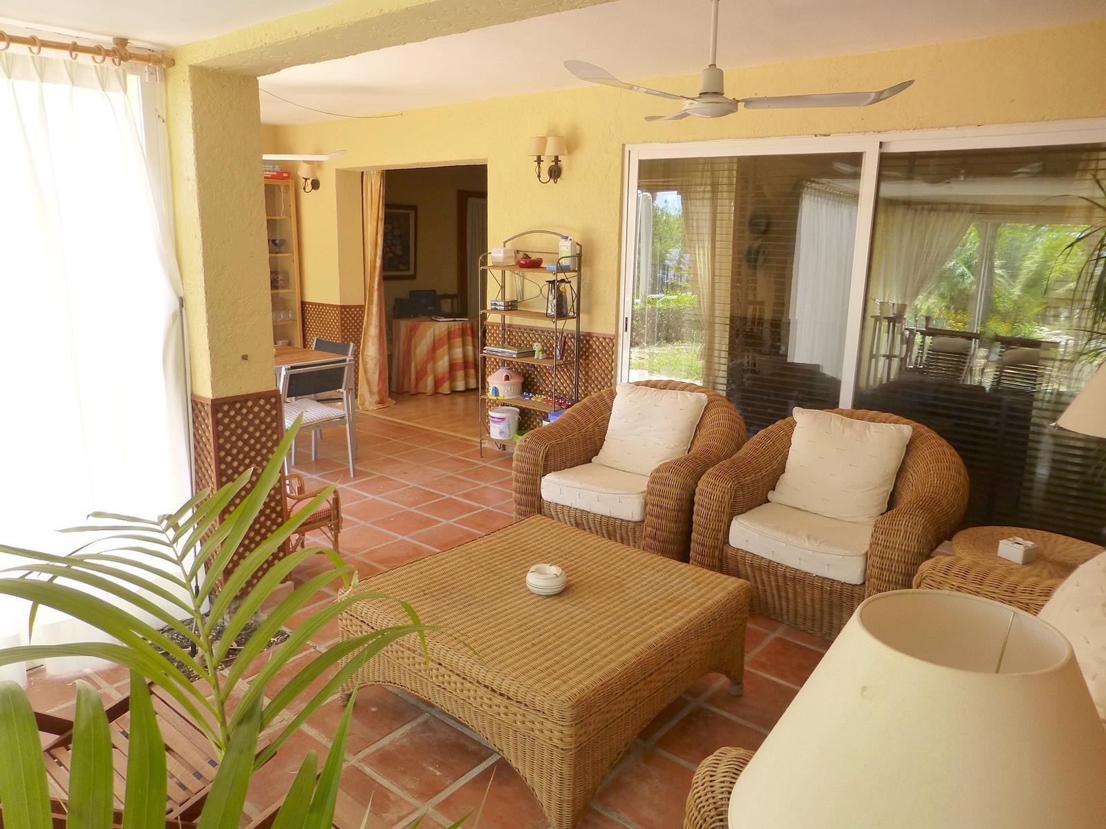 Chalet   Villa en venta en Alfas del Pi