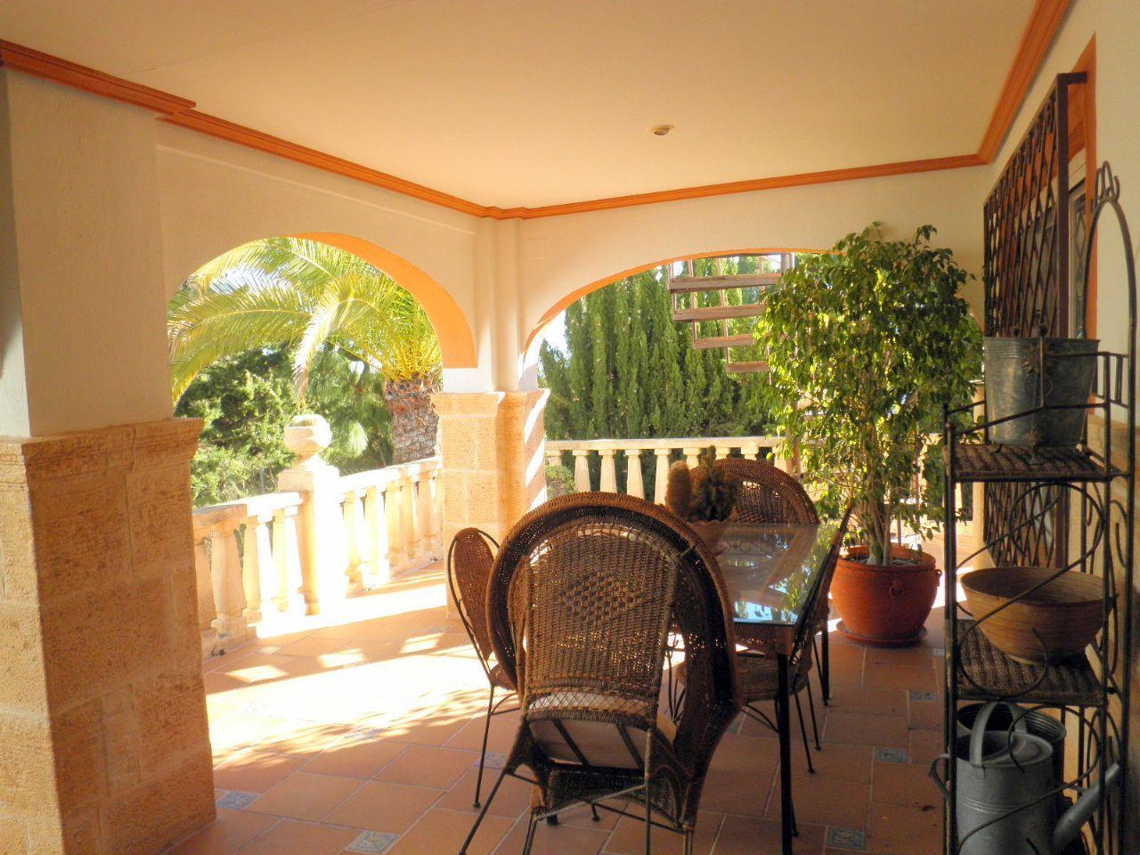 Chalet | Villa con gran parcela en Altea