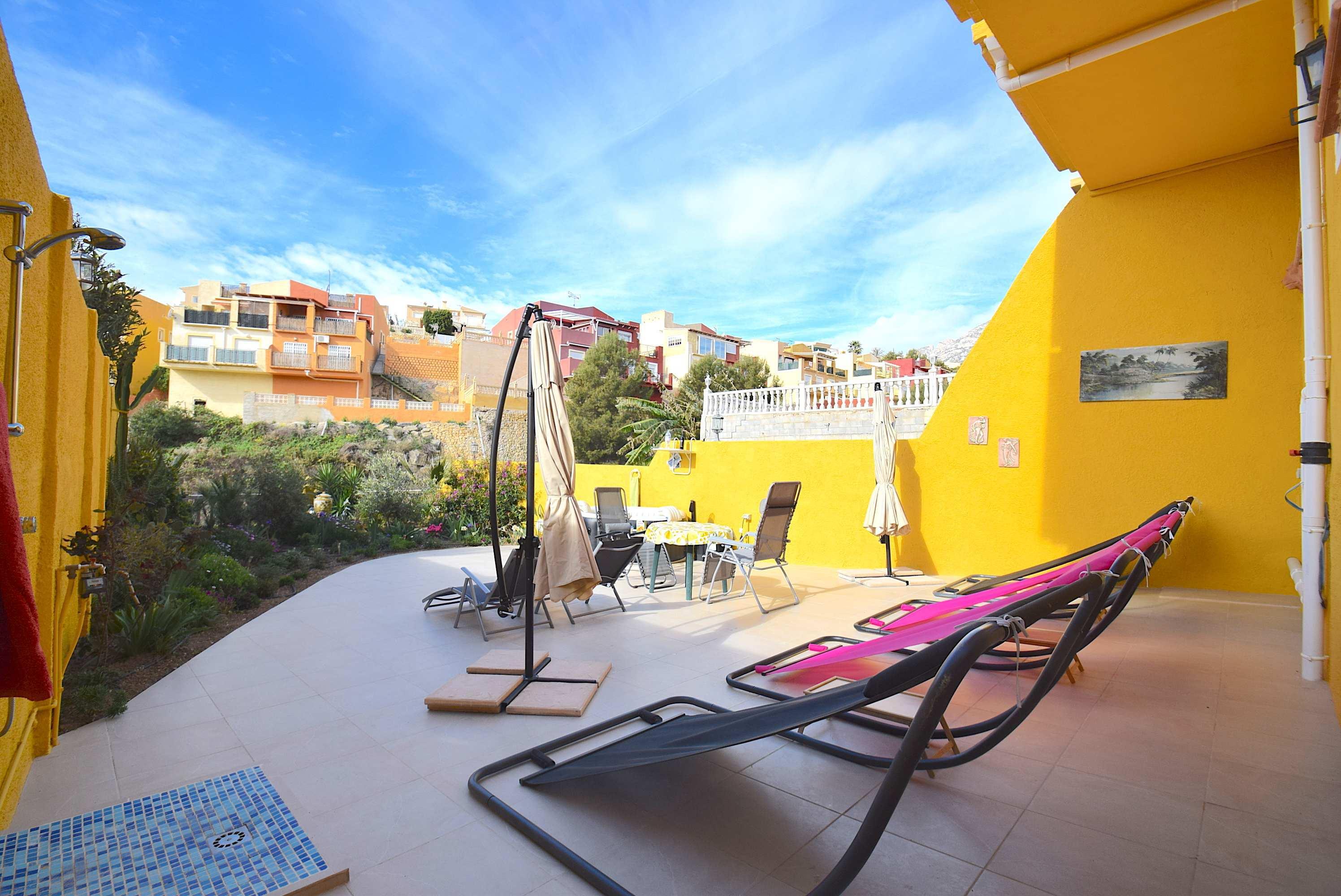 Fantastico chalet pareado con vistas panoramicas en La Nucia