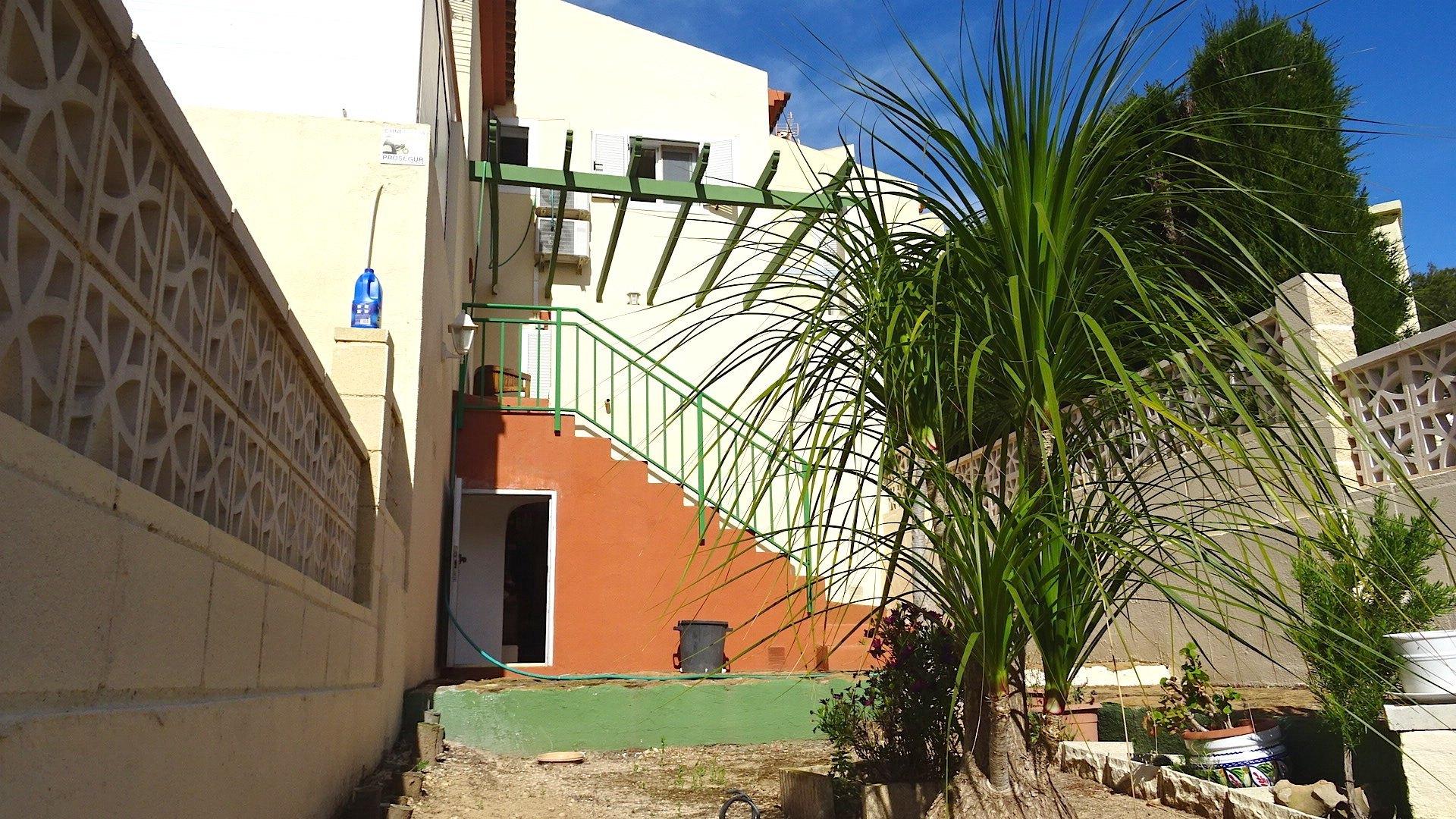 Bungalow en venta en La Nucia, con vistas al mar
