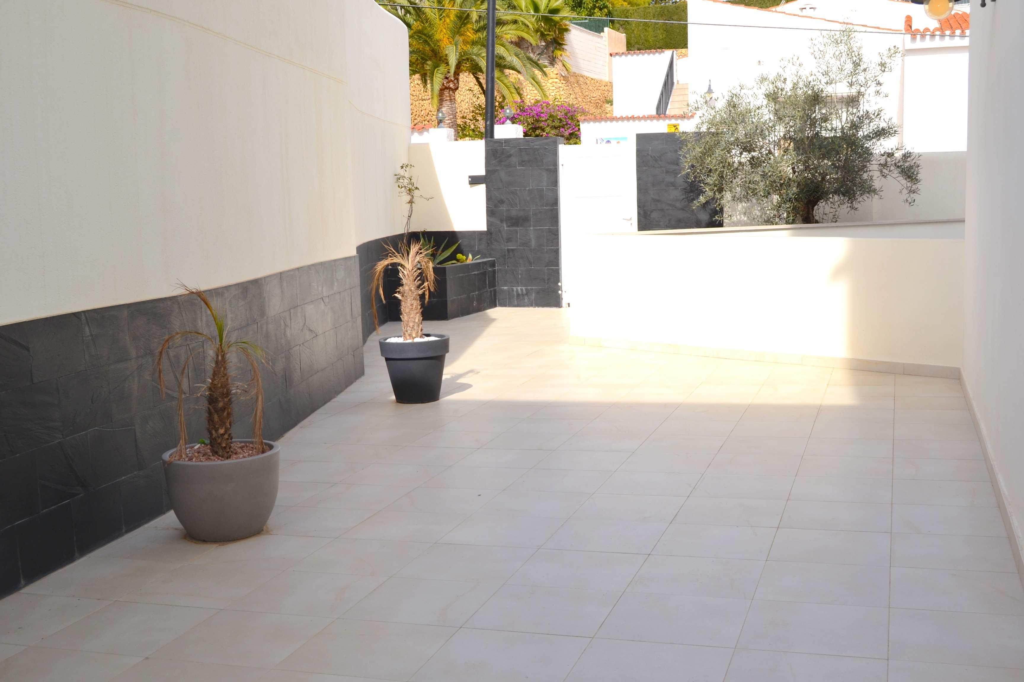 Chalet   Villa en venta en Alfaz del Pi, estilo moderno