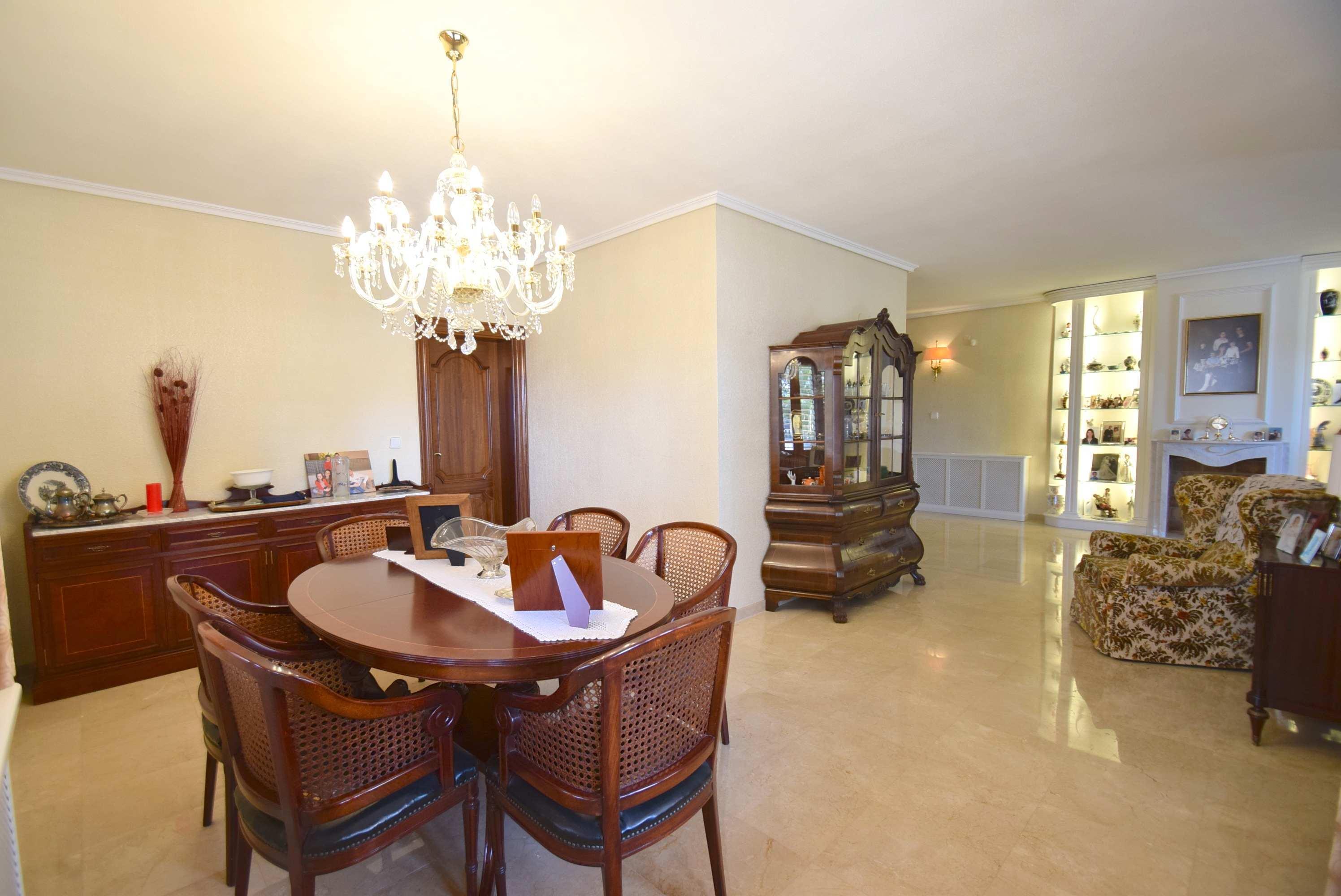 Chalet   Villa en venta en Alfas del Pi, estilo mediterraneo